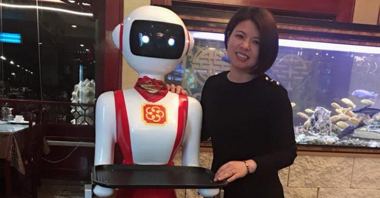 Este restaurante chinês em Portugal tem um empregado de mesa robot