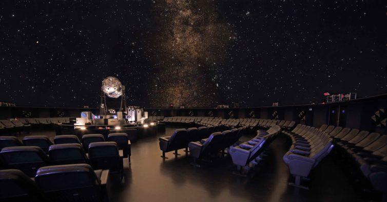 Planetário vai ter uma sessão gratuita para conhecer melhor a Via Láctea
