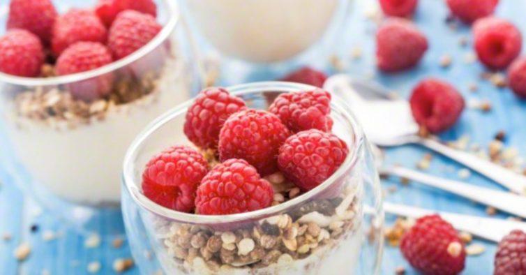 1. Inclua frutas ao pequeno-almoço — mas com cuidado