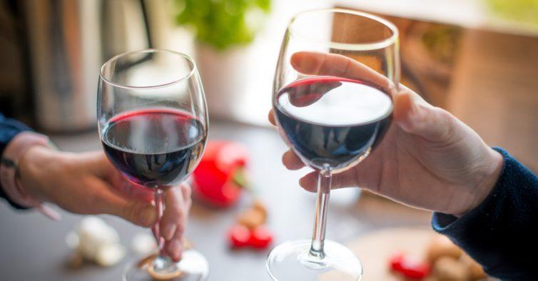 Continente tem dezenas de vinhos a preço de saldo