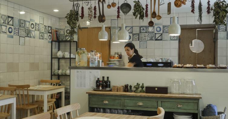 Fomos ao restaurante onde os chefs têm mais de 65 anos — e ficámos fãs da Mimi