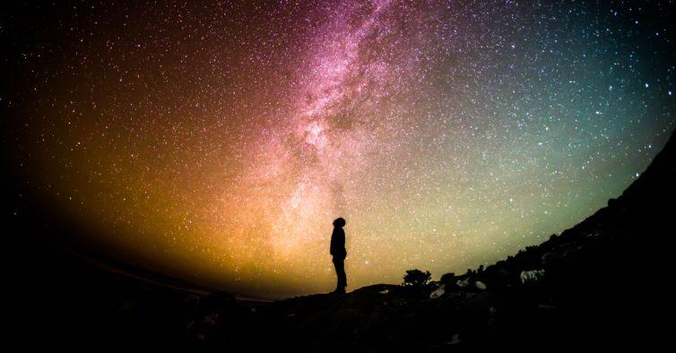 O universo e o espaço vão entrar em sua casa — a partir de um telemóvel