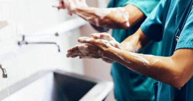 Hospital de Peniche fecha urgência: equipa está toda de quarentena