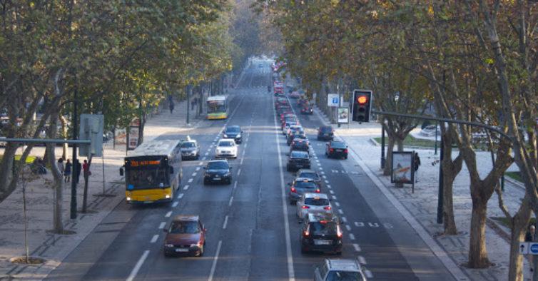 Por causa do coronavírus, poluição na Avenida da Liberdade reduz quase 60%