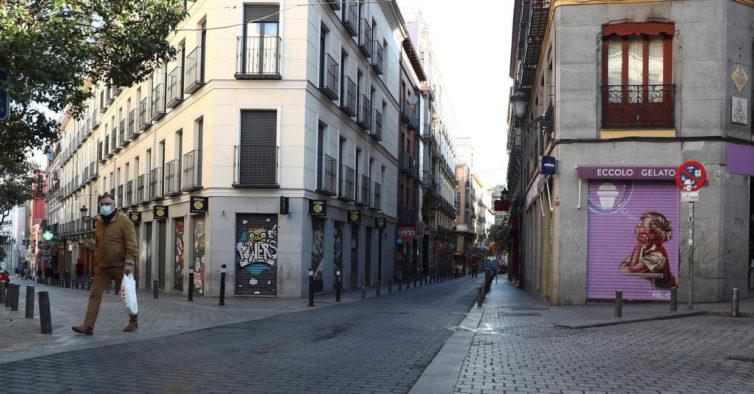 Final de telejornal espanhol emotivo (sobre mudança da hora) torna-se viral