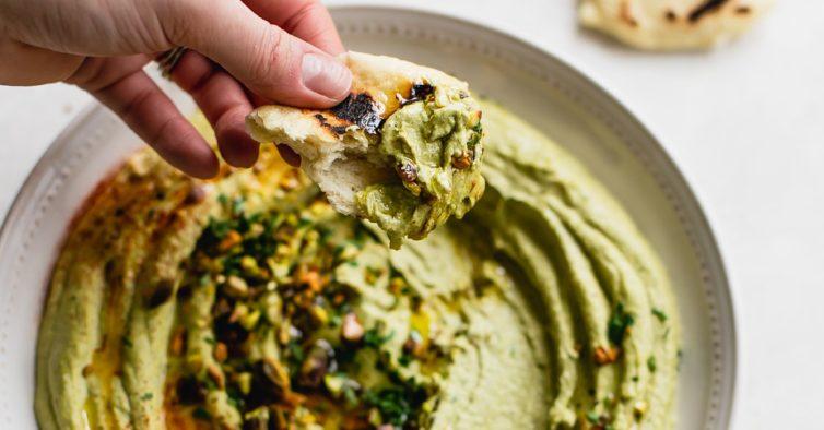 O húmus de pistachio que vai querer provar faz-se em 3 minutos