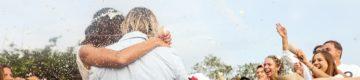 """Covid-19: """"Adiámos o casamento por amor. Queremos dar abraços e beijinhos"""""""