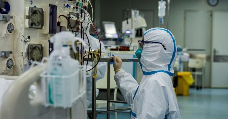 Há 1435 profissionais de saúde infetados com o novo coronavírus em Portugal