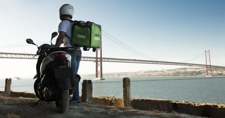 Uber Eats alarga oferta da taxa de entrega até 19 de abril