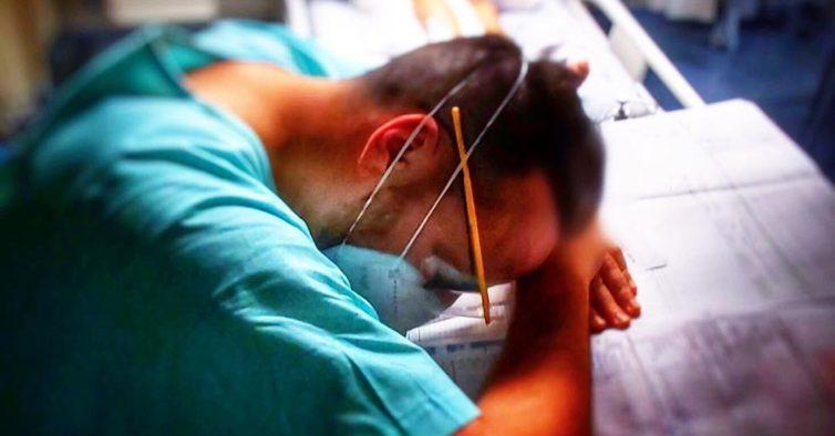 """""""Não queiram viver isto de perto"""": a frase (e imagem) de um enfermeiro exausto"""