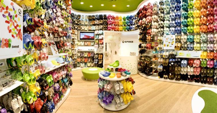 Crocs doa 10 mil pares de sapatos a profissionais de saúde