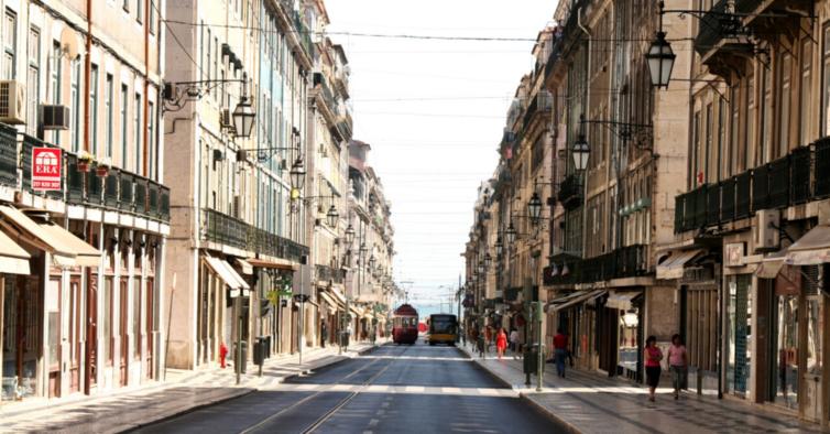 Comerciantes da Baixa de Lisboa preocupados com possível falência de lojas