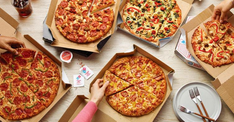 No novo menu da Domino's paga 20€ por duas pizzas grandes, entrada e sobremesa
