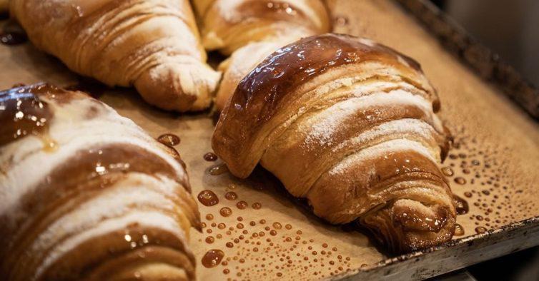 Os melhores croissants de Sesimbra chegaram ao novo café de Lisboa