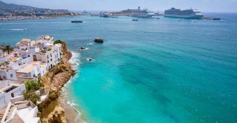 Nuvens de mosquitos asiáticos invadem Ibiza e preocupam autoridades