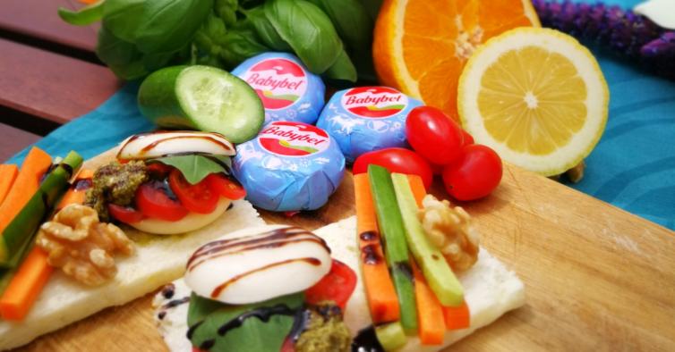 4 snacks saudáveis com queijo que são perfeitos para controlar o apetite