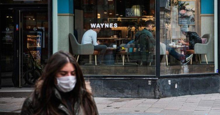 Suécia admite que poderia ter feito melhor na luta contra a pandemia