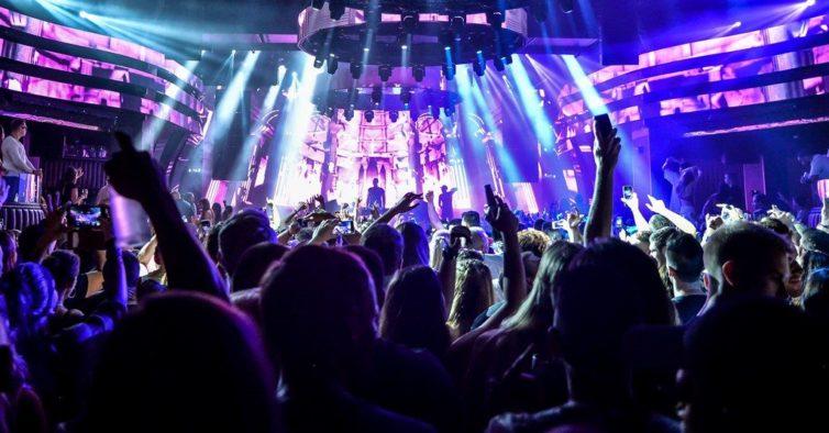 Discotecas reabrem em Espanha sem pista de dança