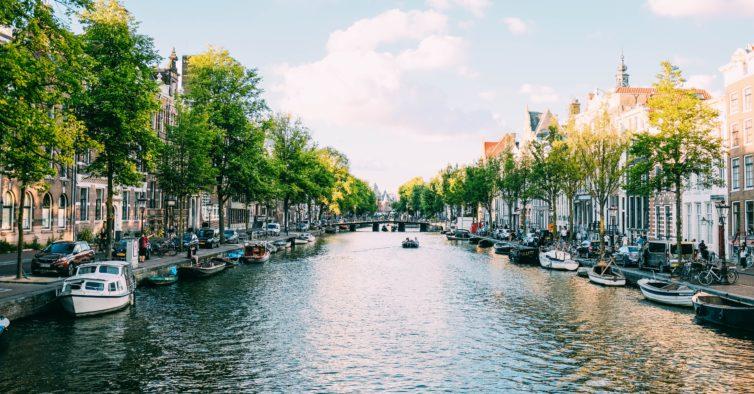KLM retoma rota Porto-Amesterdão e duplica voos em Lisboa em julho