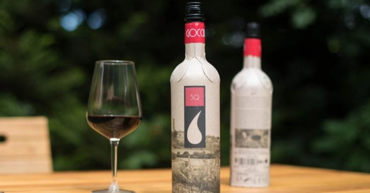 Chegou a garrafa de vinho de papel, mais leve e ecológica do que o vidro