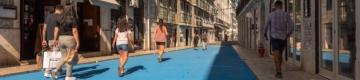 A Rua dos Bacalhoeiros já é azul — e ideal para andar a pé ou de bicicleta