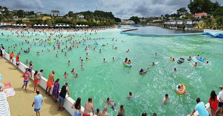 A maior piscina de ondas de Portugal vai reabrir este sábado