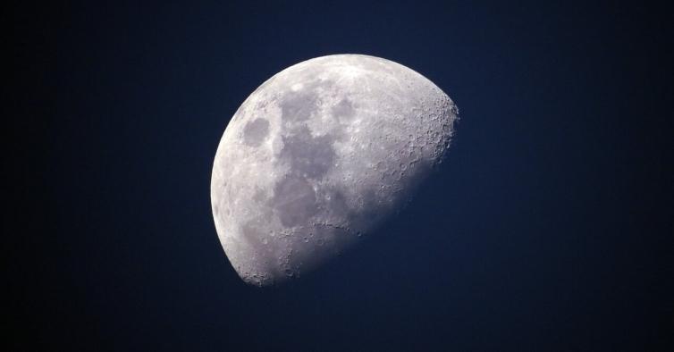 Olhe para o céu: em julho há eclipse da Lua e chuva de meteoros
