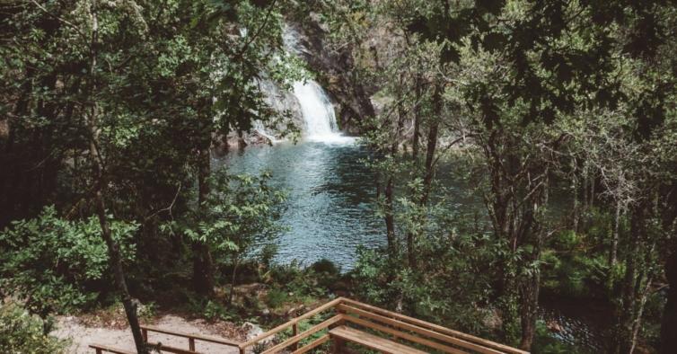 Esta caminhada vai levá-lo a uma das mais bonitas lagoas do Gerês