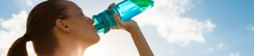 DGS alerta para o calor: é essencial beber muita água e evitar bebidas alcoólicas