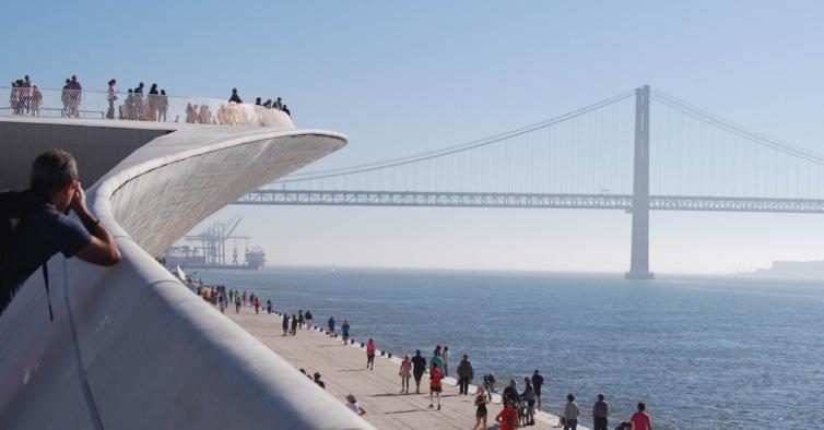 """António Costa diz que ainda é cedo para """"aligeirar"""" restrições na Grande Lisboa"""