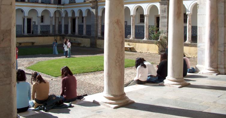 Universidade de Évora vai fazer testes serológicos a todos os estudantes