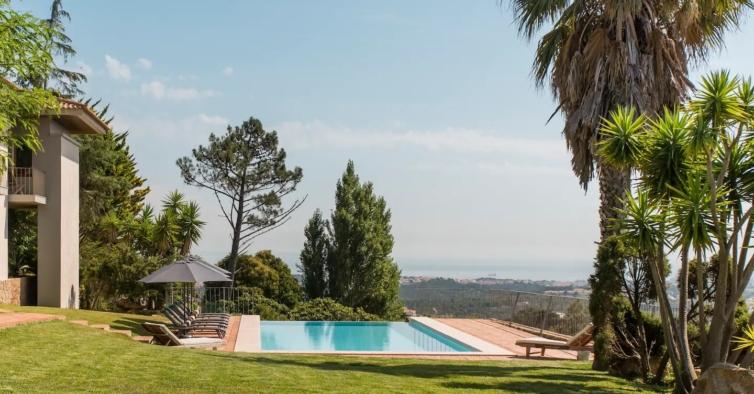 5 casas com piscina para alugar no Airbnb a menos de uma hora de Lisboa