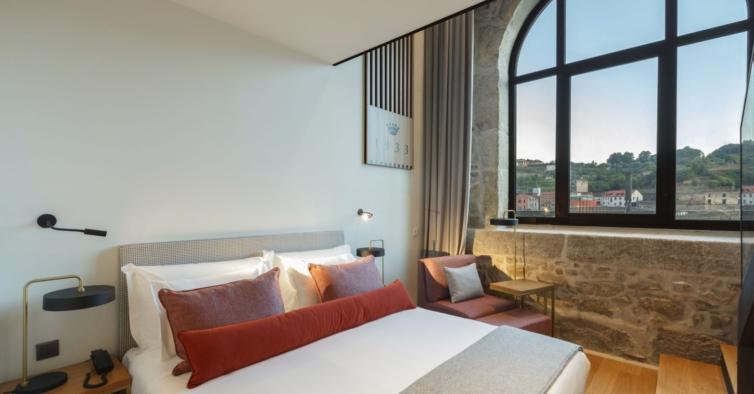 O novo hotel sustentável do Porto nasceu entre as ruínas de um convento