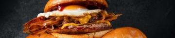 Pára tudo: a nova hamburgueria de Lisboa tem um hambúrguer com pão de Deus