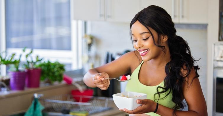 6 truques para controlar aquilo que come às refeições (e conseguir emagrecer)