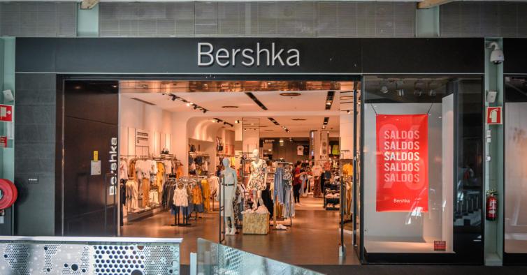 As sapatilhas desportivas da Bershka que vai (mesmo) querer levar para todo o lado